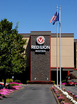 Red Lion - Hotels/Accommodations, Ceremony Sites - 3301 Market St NE, Salem, OR, 97301