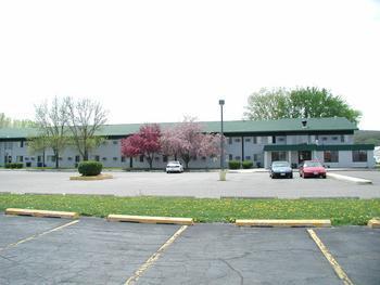 Days Inn Winona - Hotels/Accommodations - 420 Cottonwood Drive, Winona, MN, United States