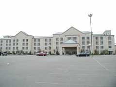The Plaza Hotel & Suites - Hotel - 1025 Highway 61 East, Winona, MN, United States