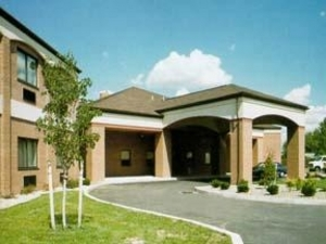 Comfort Suites - Hotels/Accommodations - 901 Dick Rd., Buffalo, NY, United States