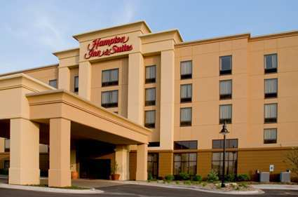 Hampton Inn & Suites - Hotels/Accommodations - 320 S Towanda Ave, Normal, IL, 61761