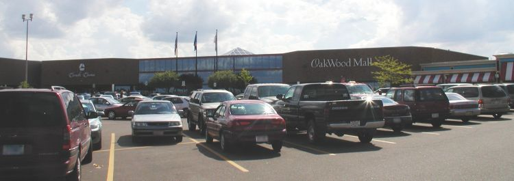 Oakwood Mall - Attractions/Entertainment, Shopping - 4800 Golf Road, Eau Claire, WI, United States