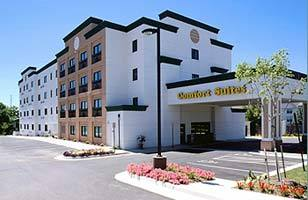 Comfort Suites  Leesburg - Hotels/Accommodations - 80 Prosperity Ave SE, Leesburg, VA, 20175