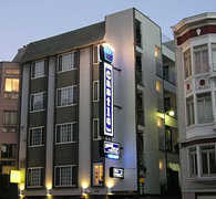 Castle Inn - Hotel - 1565 Broadway, San Francisco, CA, 94109
