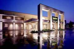 Radisson Hotel - Hotel - 39475 Woodward Ave, Bloomfield Hills, MI