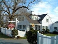 Carriage House Inn - Hotels/Accommodations - 407 Old Harbor Road, Chatham, MA, United States