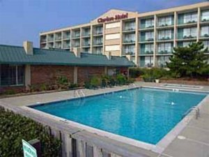 Clarion Oceanfront - Hotels/Accommodations - 1601 S Virginia Dare Trail, Kill Devil Hills, NC, 27948, US
