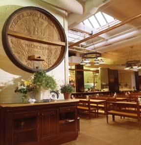 Hofbrauhaus - Restaurants, Attractions/Entertainment, Bars/Nightife, Rehearsal Lunch/Dinner - 100 E 3rd St, Newport, KY, 41071, US