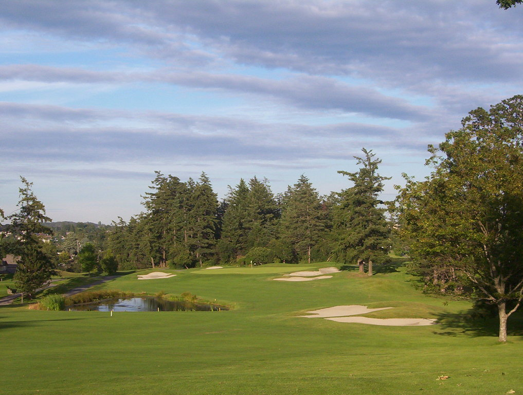 Gorge Vale Golf Club - Golf Courses, Ceremony Sites - 1005 Craigflower Road, Victoria, BC, Canada
