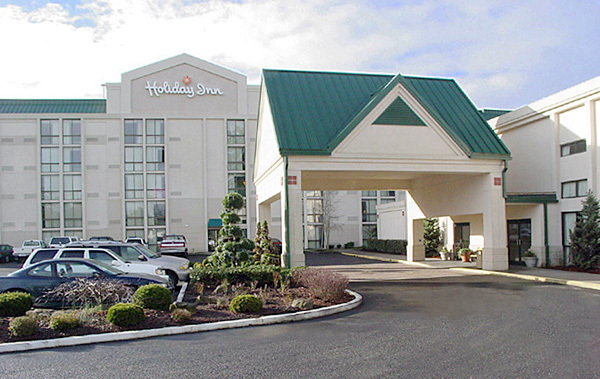 Holiday Inn - Hotels/Accommodations - 25425 SW 95th Ave, Wilsonville, OR, 97070, US