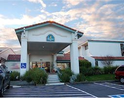 La Quinta - Hotels/Accommodations - 2180 Hilltop Dr, Redding, CA, 96002, US