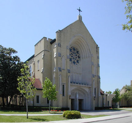 St. Thomas Aquinas Church - Ceremony Sites, Attractions/Entertainment - 6306 Kenwood Ave, Dallas, TX, 75214
