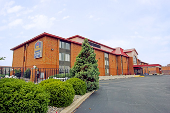 Best Western Luxbury Inn Fort Wayne - Hotels/Accommodations - 5501 Coventry Ln, Fort Wayne, IN, United States