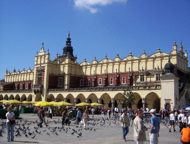 Cloth Hall (the Sukiennice) - Attractions/Entertainment, Restaurants - Rynek Główny, Kraków, Małopolskie, Poland