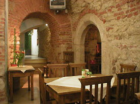 Vesuvio - Restaurants - Floriaska 38, Krakw, Maopolskie, Poland
