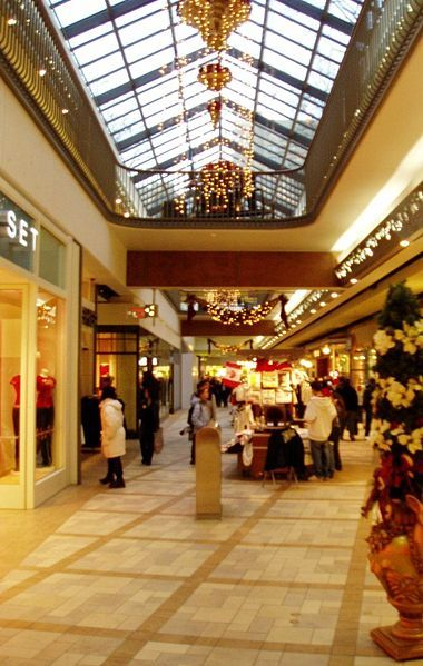 Rideau Centre - Attractions/Entertainment, Shopping - 50 Rideau St, Ottawa, O.N., CA