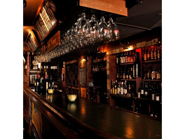Vineyards Wine Bar Bistro - Bars/Nightife, Attractions/Entertainment, Restaurants - 54 York Street, Ottawa, ON, Canada