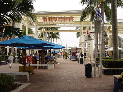 Bayside Market Place - Attractions/Entertainment, Shopping - 401 Biscayne Blvd # R106, Miami, FL, United States