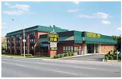 Visitors Inn - Hotel - 649 Main St W (Hwy#8 & 403), Hamilton, ON, CA