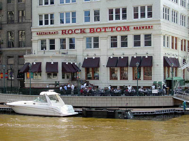 Rock Bottom Restaurant & Brewery - Bars/Nightife, Restaurants - 740 N Plankinton Ave # 1, Milwaukee, WI, United States