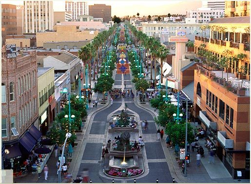 Third Street Promenade - Attractions/Entertainment, Parks/Recreation - Broadway & Santa Monica Blvd & 3rd St, Santa Monica, CA, 90401, US