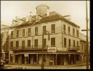 Napoleon House - Attractions/Entertainment, Restaurants, Bars/Nightife, Reception Sites - 500 Chartres St, New Orleans, LA, 70130