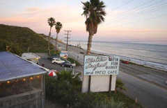 Malibu Fish & Seafood - Restaurant - 25653 pacific coast highway, Malibu, CA, United States
