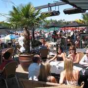 Glo EuroPub & Grill - Restaurants - 2940 Jutland Rd, Victoria, BC, V8T, CA