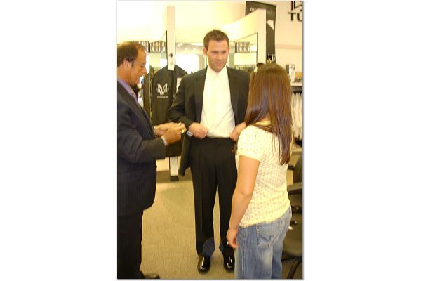 Men's Wearhouse - Tuxedos - 1945 E Camelback Rd # D3, Phoenix, AZ, USA