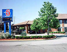 Motel 6 - Hotel - 249 Connell Hwy, Newport, RI, United States