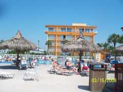 Howard Johnson: Plazas Hotels & Lodges - Hotel - 6100 Gulf Blvd., Saint Petersburg, FL, United States