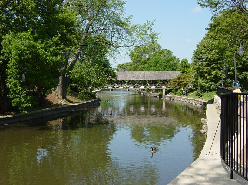 Riverwalk Park - Attractions/Entertainment - 55 S Main St # 351, Naperville, IL, United States