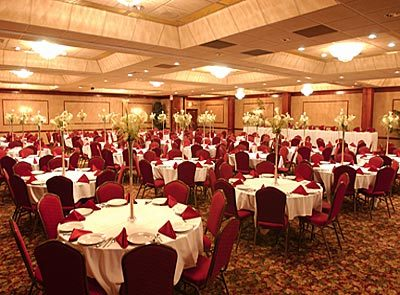 Comfort Suites/ Rock Garden - Reception Sites, Hotels/Accommodations, Ceremony Sites, Restaurants - 1951 Bond St, Green Bay, WI, 54303, US