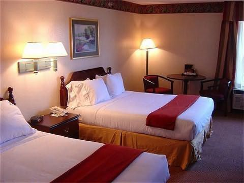 Holiday Inn Express Hotel Clemmons (winston/salem Area) - Hotels/Accommodations - 6320 Amp Drive, Clemmons, NC, United States