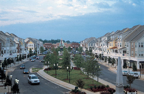 Birkdale Village - Attractions/Entertainment, Shopping, Restaurants - 16805 Birkdale Cmns Pkwy, Huntersville, NC, United States