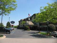 Hampton Inn Detroit/Dearborn @ Greenfield Village - Hotel - 20061 Michigan Avenue, Dearborn, MI, United States