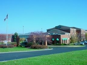 Quality Inn & Suites-airport - Hotels/Accommodations - 4914 Everhard Rd NW, Canton, OH, 44718, US