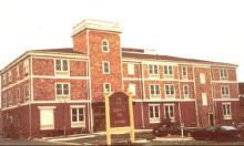 James Street Inn - Hotels/Accommodations, Attractions/Entertainment - 201 James St, De Pere, WI, 54115