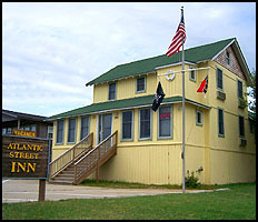 Atlantic Street Inn - Hotels/Accommodations - 205 E Atlantic St, Kill Devil Hills, NC, 27948, US