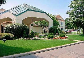 Courtyard By Marriott - Hotels/Accommodations - 2710 Lake Lansing Rd, Lansing, MI, USA