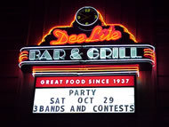 Dee-Lite Bar &amp; Grill - Restaurant - 24 Washington Ave, Grand Haven, MI, United States