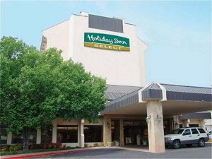 Holiday Inn Select - Hotels/Accommodations, Reception Sites - 5701 S Broadway Ave, Tyler, TX, 75703, US
