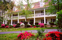 Whitworth Inn-Bed & Breakfast - Hotel - 6593 Mcever Rd, Flowery Branch, GA, United States