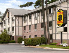 Super 8 Traverse City - Hotel - 1870 US-31, Traverse City, MI, 49686, US