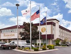 Ramada Plaza Hotel - Hotel - 2519 E Center St, Warsaw, IN, 46580, US