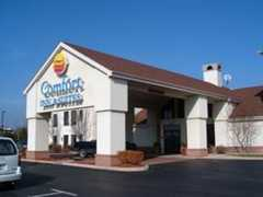 Comfot Inn and Suites - Hotel - 3328 E Center St, Warsaw, IN, 46582, US