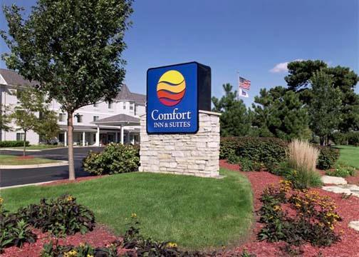 Comfort Inn And Suites - Hotels/Accommodations - 1555 E Fabyan Pkwy, Geneva, IL, 60134, US