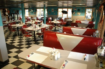 Mel's Diner - Restaurants - 2956 Johnston St, Lafayette, LA, 70503, US
