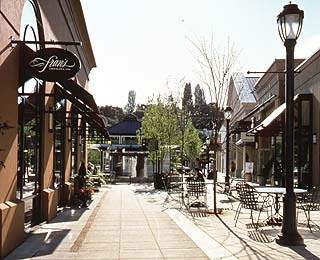 University Village Shopping - Attractions/Entertainment, Shopping, Restaurants - 2623 NE University Vlg # 7, Seattle, WA, United States