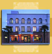 Holiday Inn Express-Santa Barbara - Hotels - 17 W. Haley Street, Santa Barbara, CA, USA